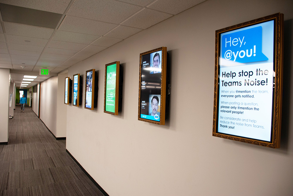 digital signage in employee communications